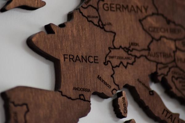 carta geografica in legno